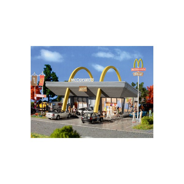 recommodation to mcdonalds restaurant The restaurant offered a limited menu--serving burgers, fries, and beverages--allowing restaurant employees to focus on quick service, food quality, and personal growth decades later in mcdonald's history, we still practice these values.