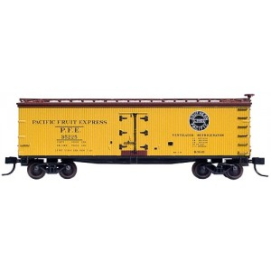 40' Wood Reefer - Pacific Fruit Express 35190