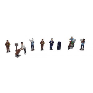 Making the Delivery and Accessories Figure Set (9pk)