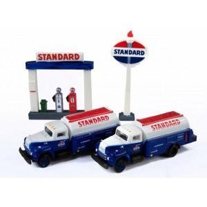 IH R-190 Tank Trucks plus Service Station Sign & Gas Pump Island (Standard)