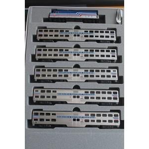 VRE F40PH & Bi-Level Capital Commuter 6 Unit Set
